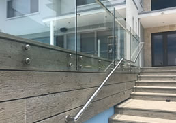 Specialists in glass balustrading and pool fences